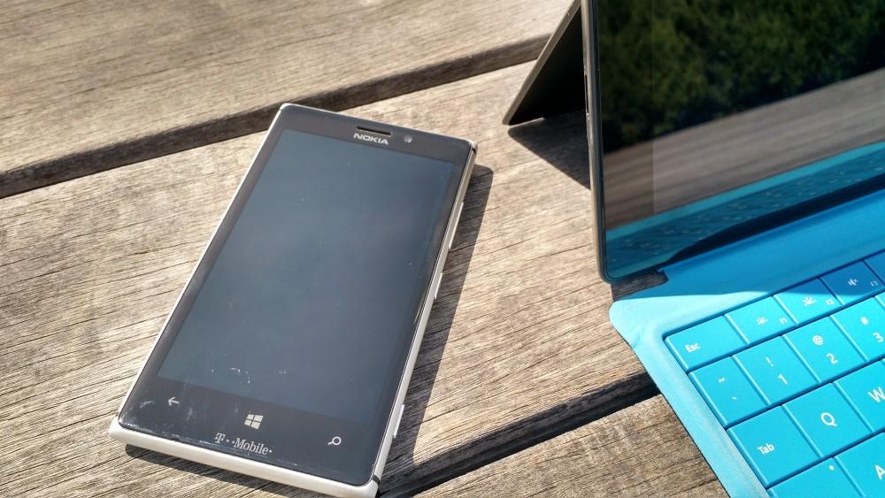 Surface-Pro-Lumia-925-15-e1449705446194